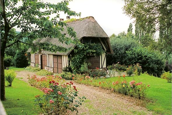 une-maison-normande-sur-la-route-des-chaumiere